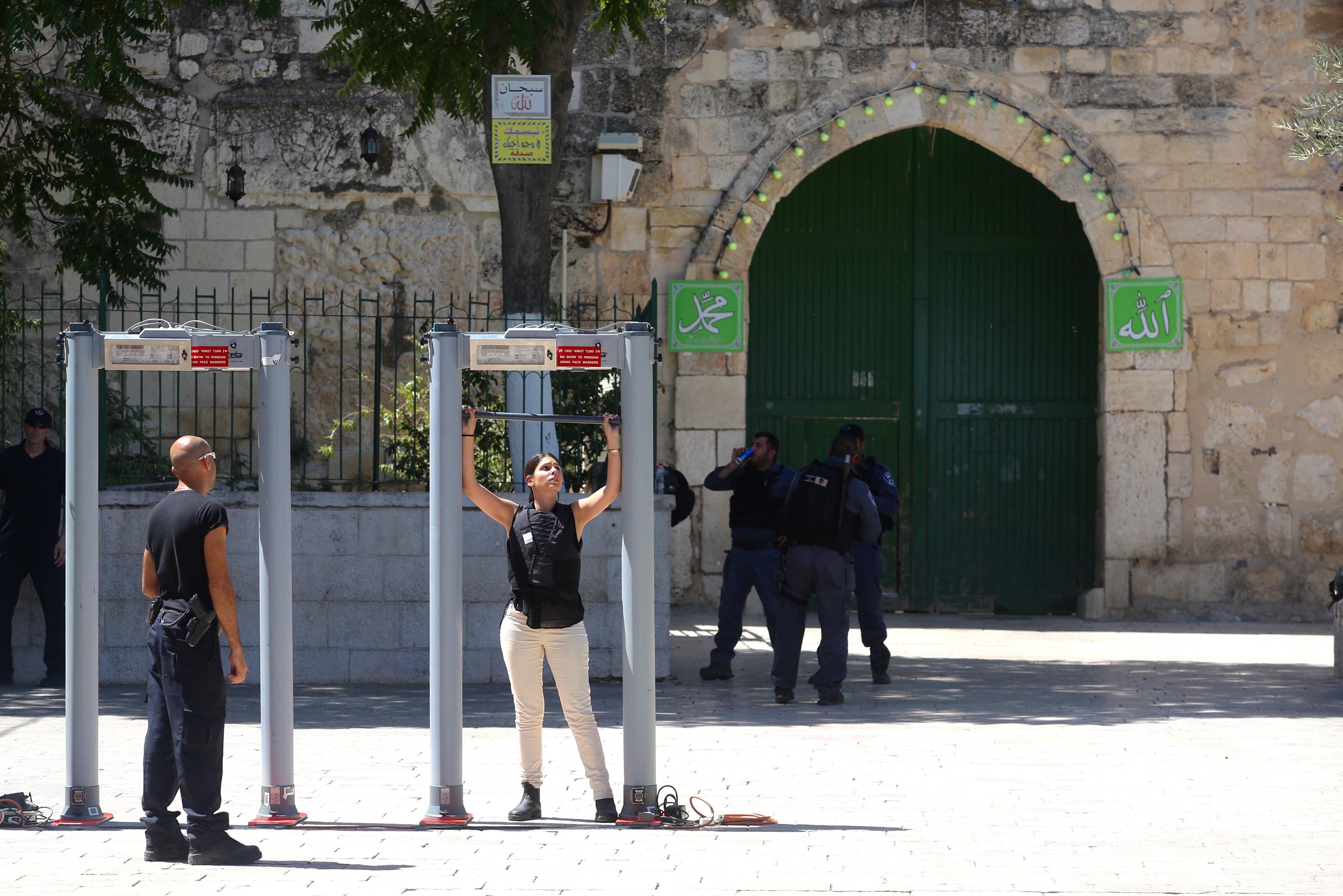 Jew Detector: Report: Saudi King Sent Message To Israel Via US On Temple