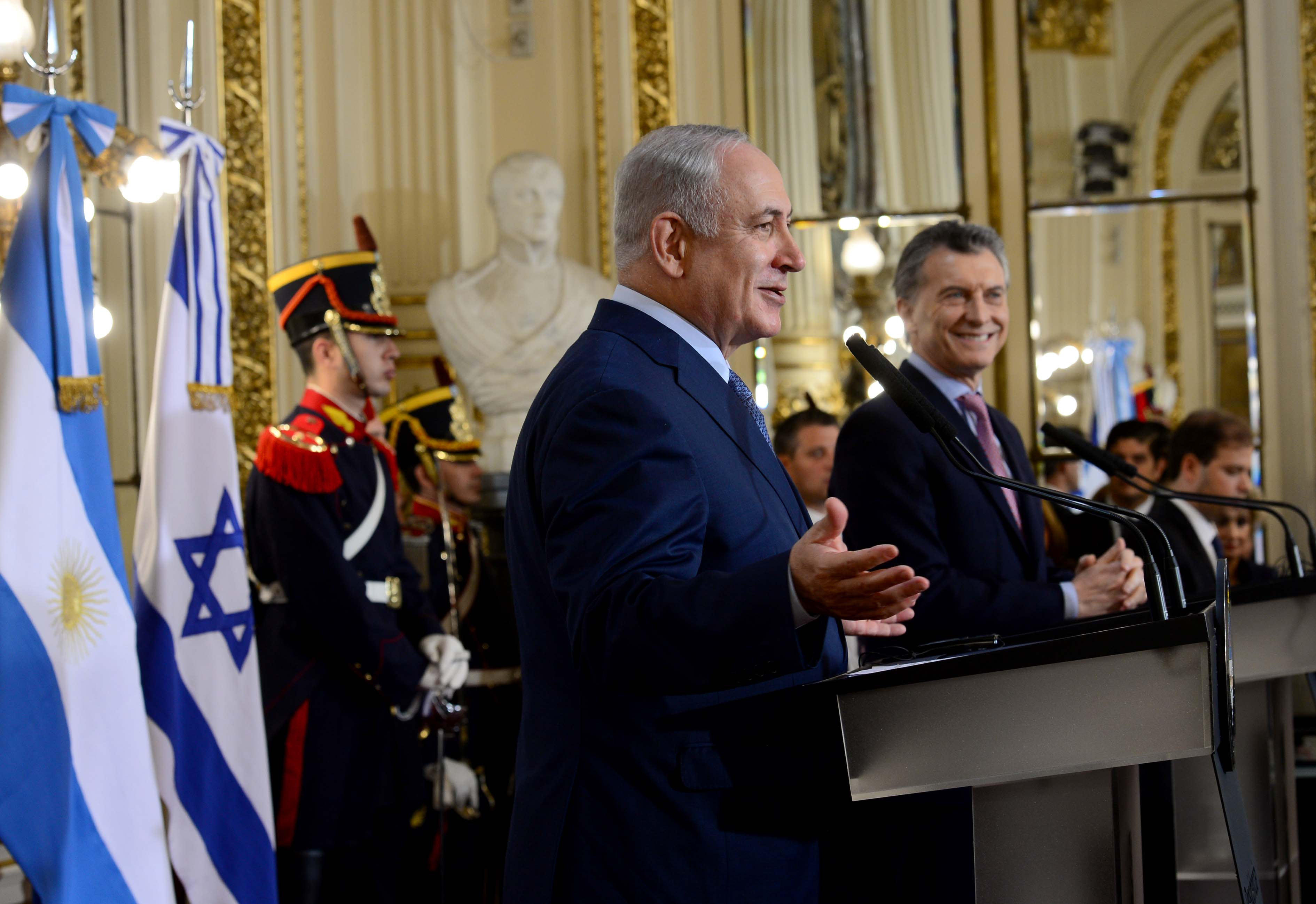 Prime Minister Benjamin Netanyahu speaking at the House of the Argentinian president in Buenos Aires, September 12, 2017. (Avi Ohayon/GPO)
