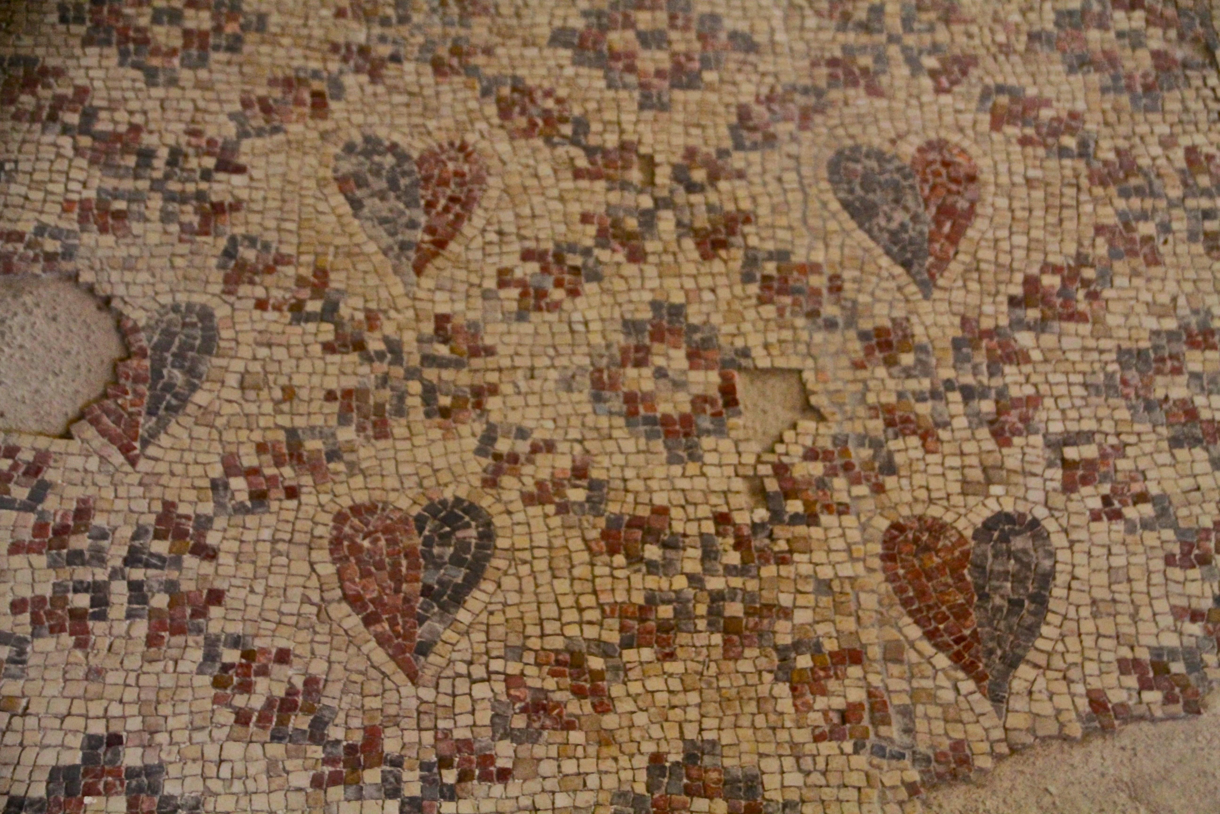 The mosaic at the Shalom Al Yisrael synagogue in Jericho (Tovah Lazaroff)