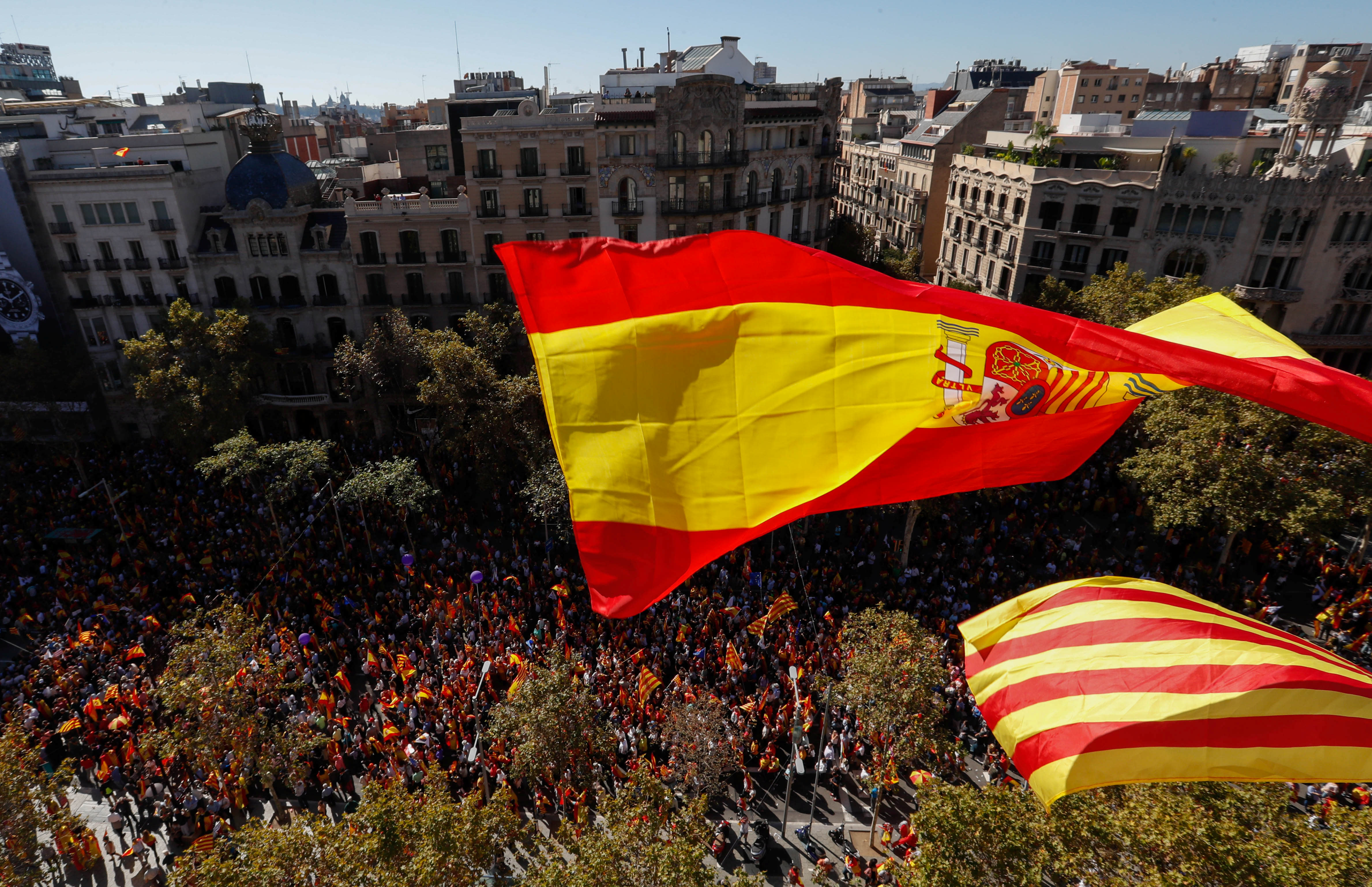 Pro-unity supporters take part in a demonstration in central Barcelona, Spain (Yves Herman / Reuters)
