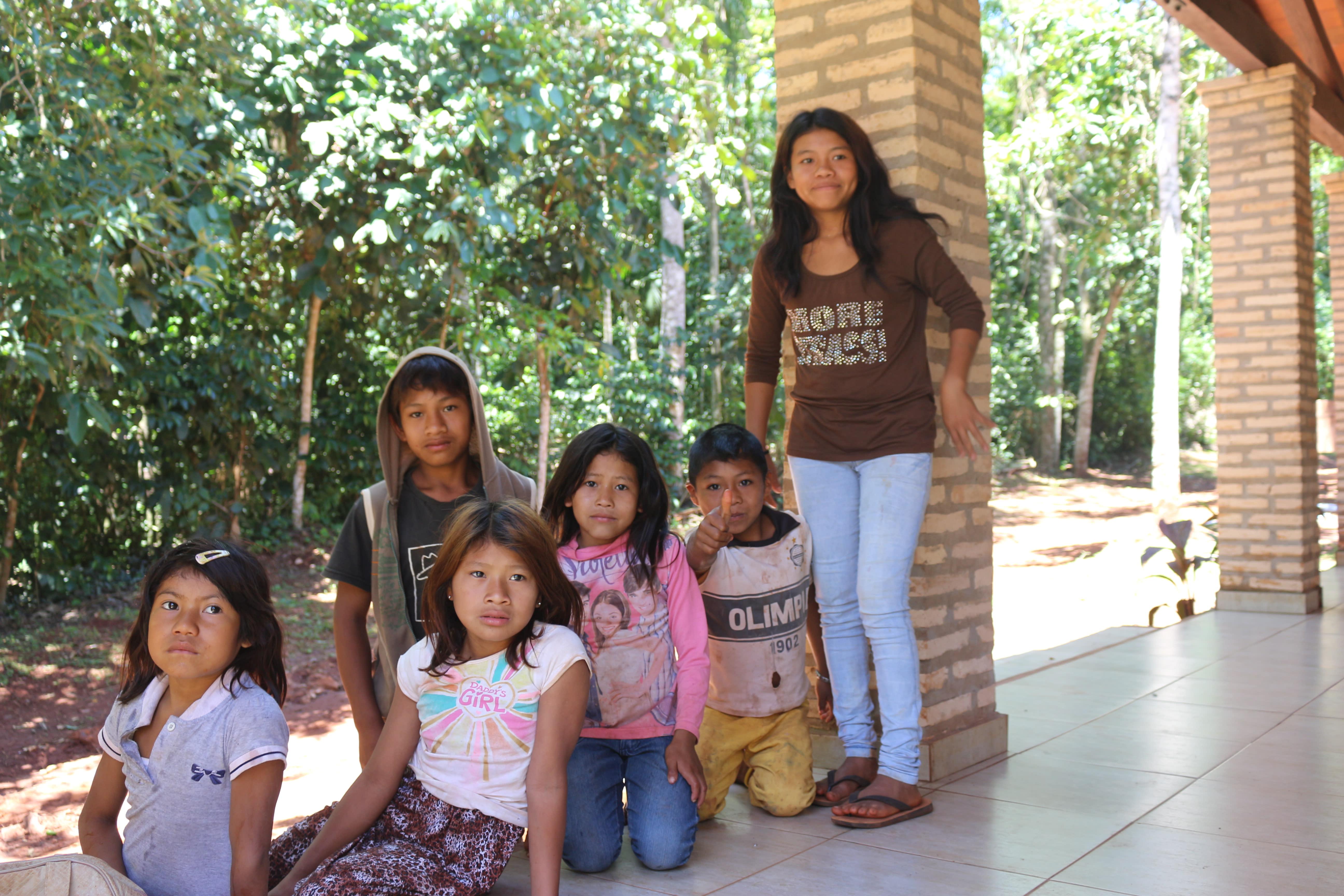 Local Guarani native children outside the Moise Bertoni Museum (ANNA AHRONHEIM)