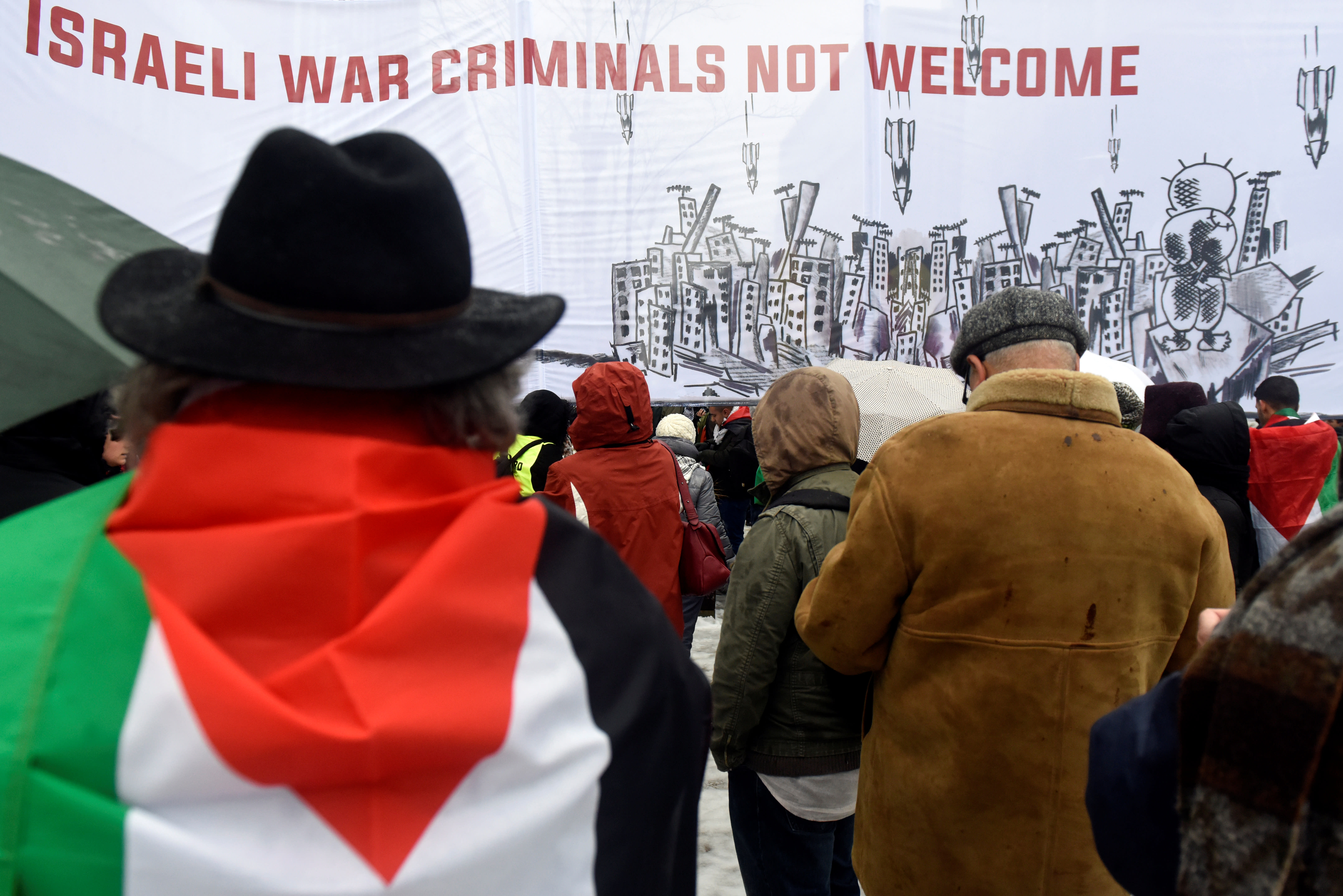 People protest against US President Donald  Trupm's recognition of Jerusalem as Israel's capital in Brussels, Belgium December 11, 2017. (REUTERS/ERIC VIDAL)
