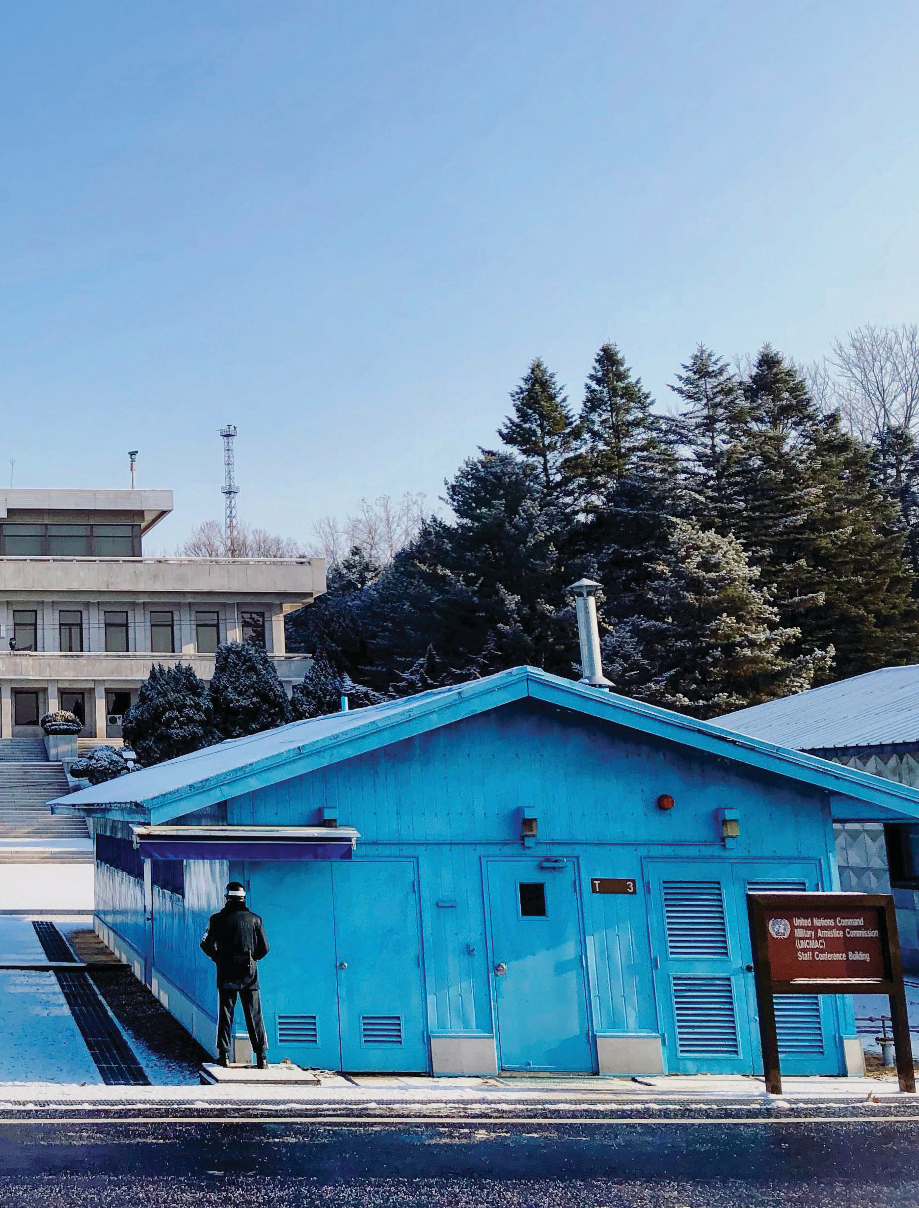 The first snow of the season in the Korean Demilitarized Zone, where several defections from the North to the South have raised tensions, December 2017. (MICHAEL WILNER)