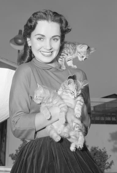 Susan Cabot, born Harriet Shapiro, photographed in 1950. (PUBLIC DOMAIN / LOS ANGELES DAILY NEWS - UCLA LIBRARY)
