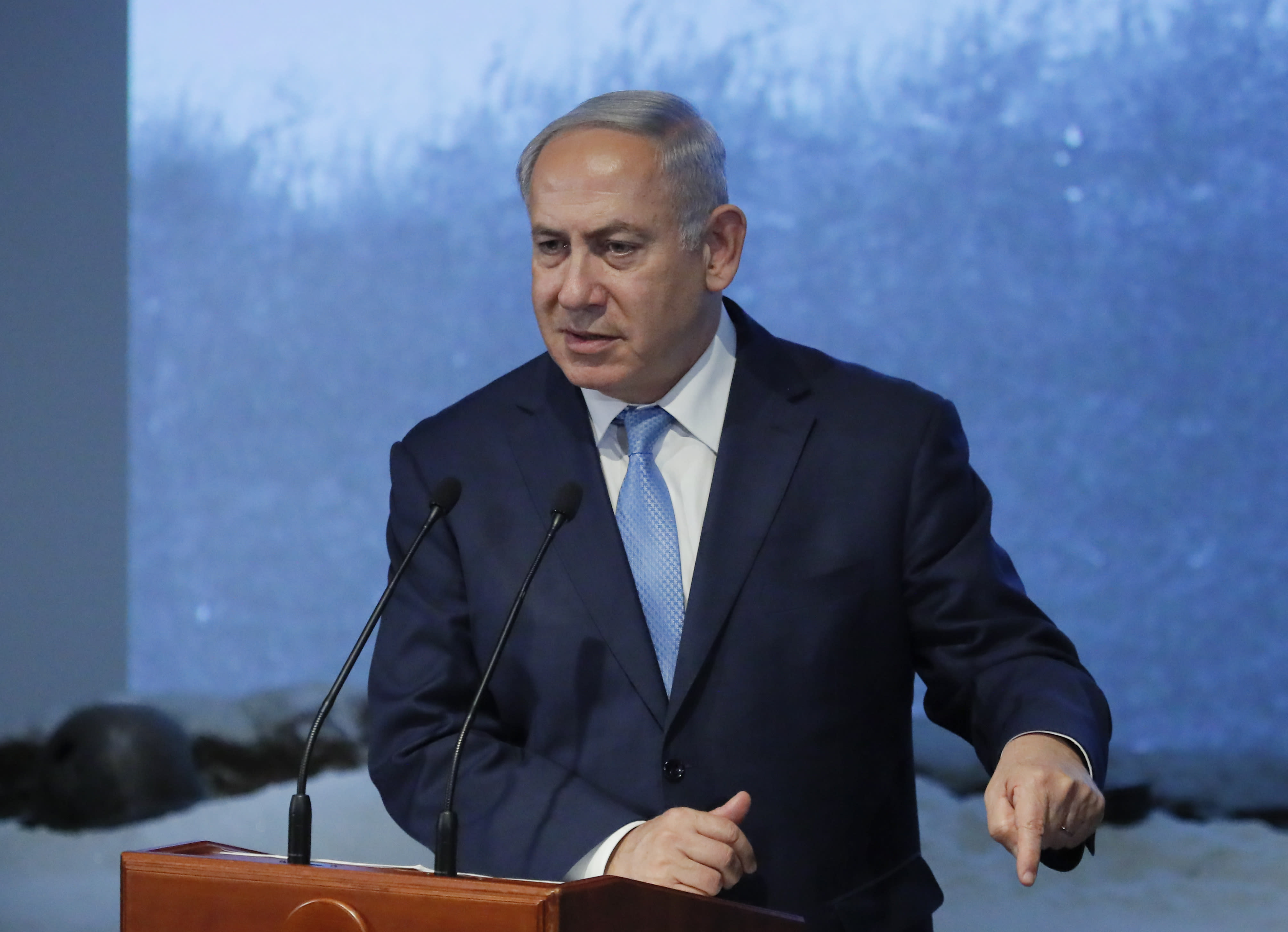 Benjamin Netanyahu delivers a speech during an event marking International Holocaust Remembrance Day at the Jewish Museum and Tolerance Centre in Moscow, Russia January 29, 2018. (REUTERS/MAXIM SHEMETOV)
