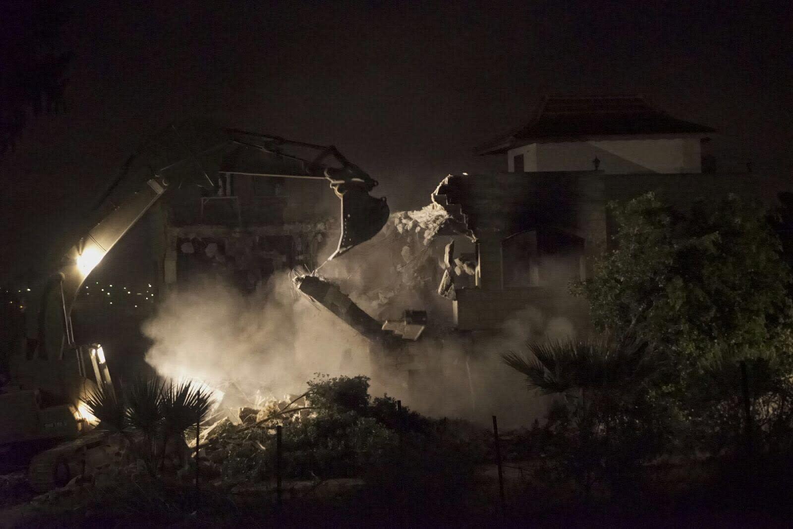 The IDF demolishes the home of Ahmad Nasser Jarrar, ringleader believed to be behind the Havat Gilad shooting. (IDF SPOKESPERSON'S UNIT)