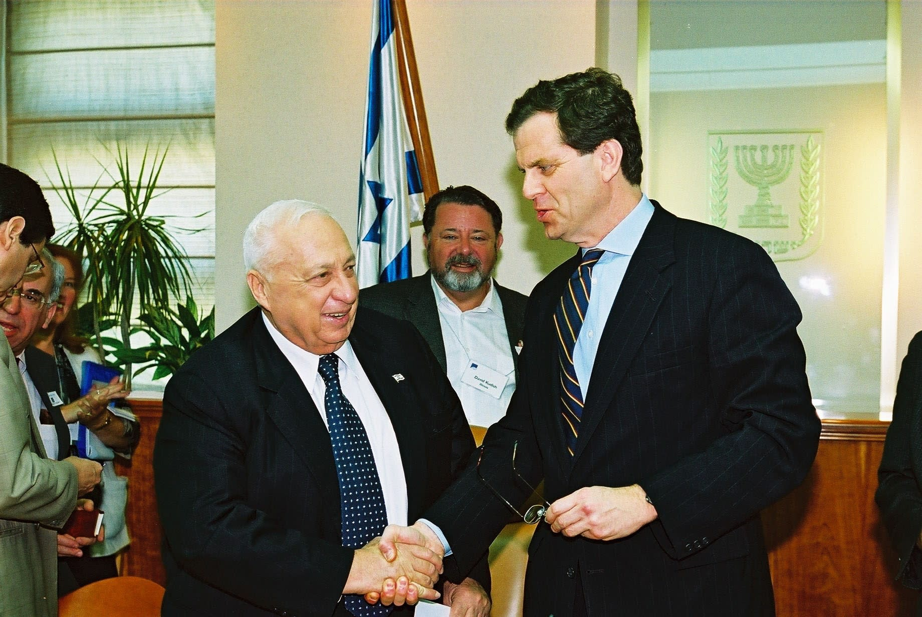 AJC CEO David Harris shakes hands with Ariel Sharon