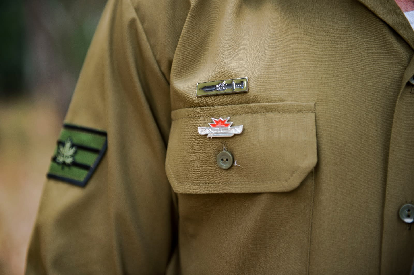 Closeup of new rank and pin (COURTESY IDF SPOKEMAN'S OFFICE)