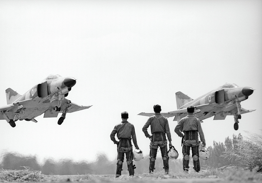 ISRAEL AIR FORCE pilots witness the arrival of new fighter jets. (David Rubinger)
