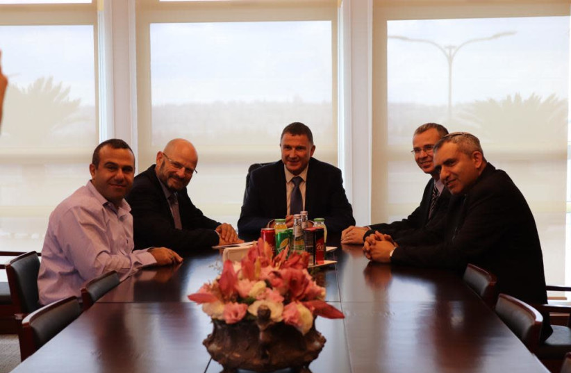 Likud and Blue and White negotiating teams meet with Knesset Speaker Yuli Edelstein, Dec. 1, 2019 (photo credit: KNESSET SPEAKER YULI EDELSTEIN'S OFFICE)
