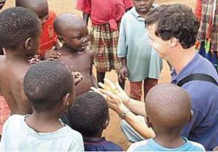 Israelis to lend medical 'helping hand' in Uganda