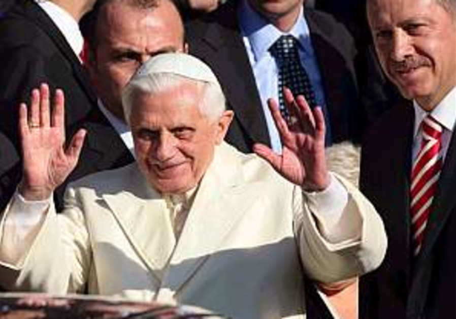 Turkey: Pope supports EU membership