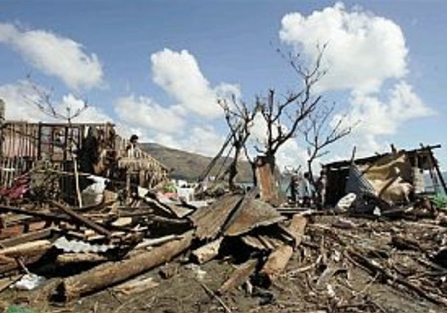 Up to 1000 may have died in Philippines typhoon