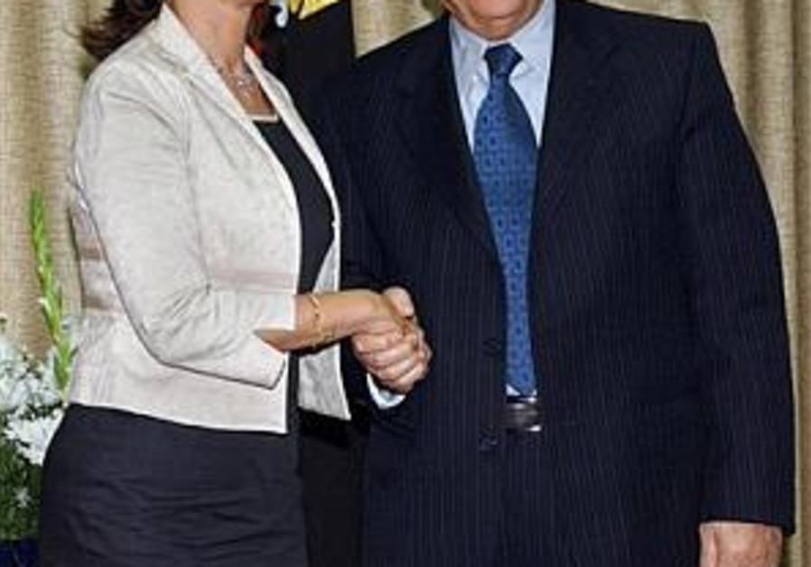 Royal presses Fatah for unity gov't