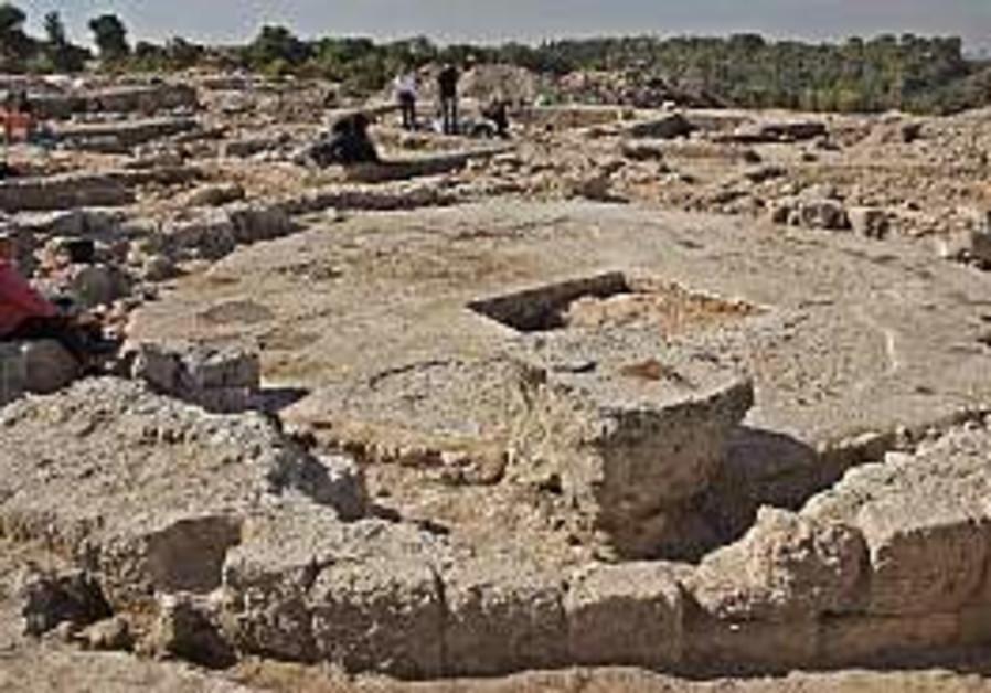 excavation site, latrun 298 courtesy