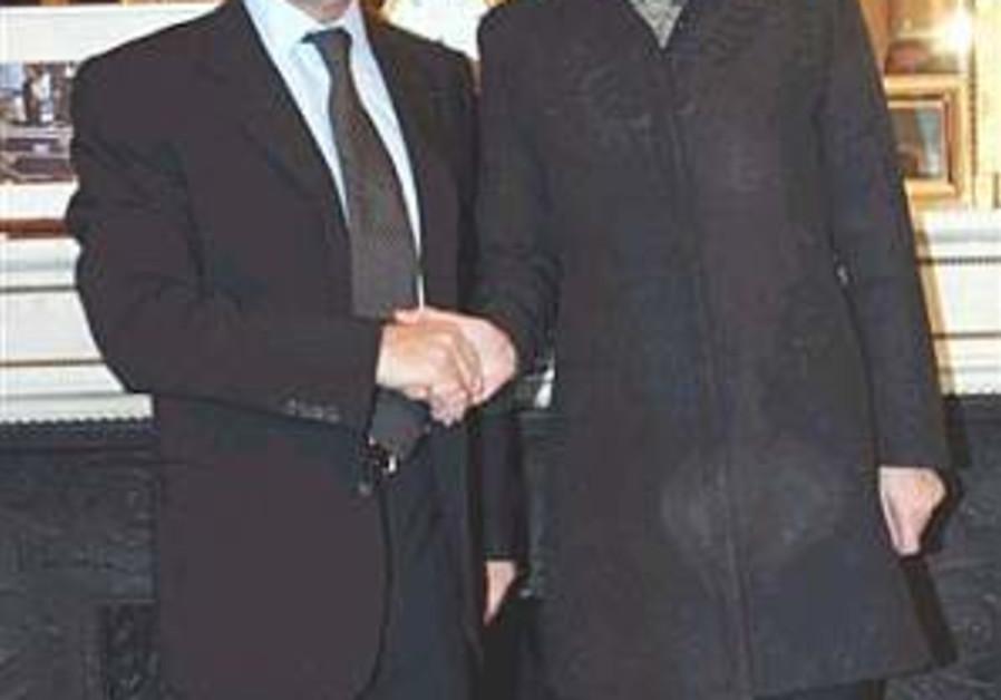 Douste-Blazy: IAF forays must be halted