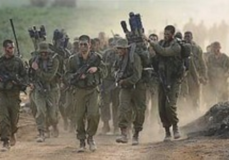 Overseas IDF volunteers to be called back for service if they make aliya