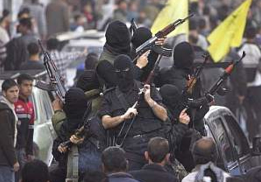2 die in ongoing Hamas-Fatah clashes