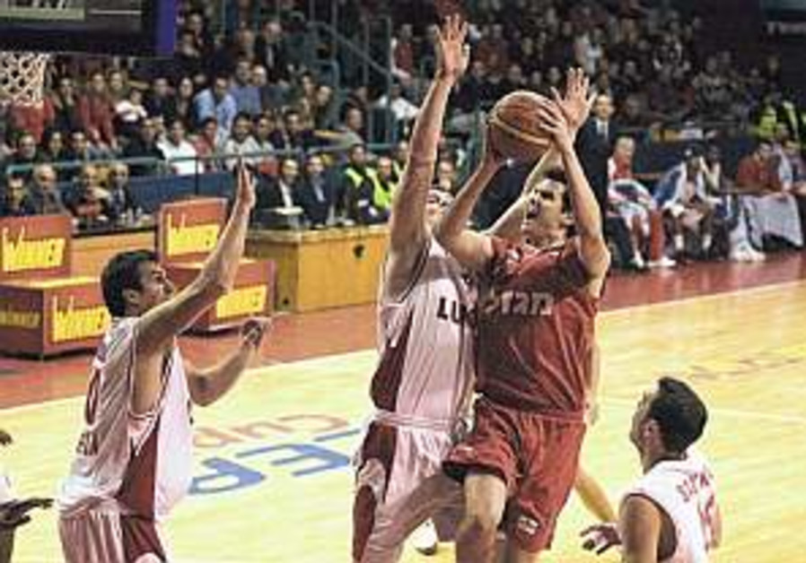 ULEB Cup: Hapoel Jerusalem gets key win