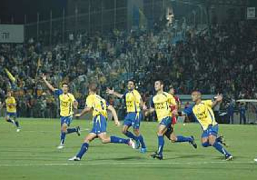 Maccabi TA hosts hot Ashdod