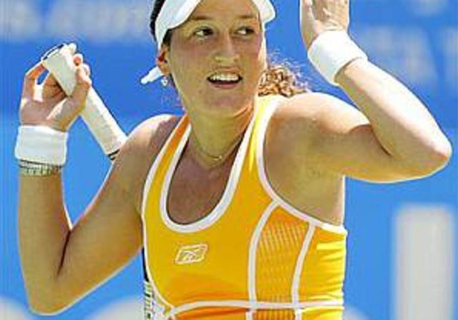 Tennis: Pe'er no match for Kim Clijsters