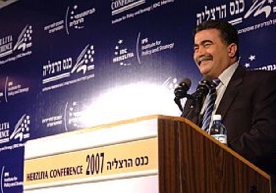 Behind the Lines: Peretz and the press