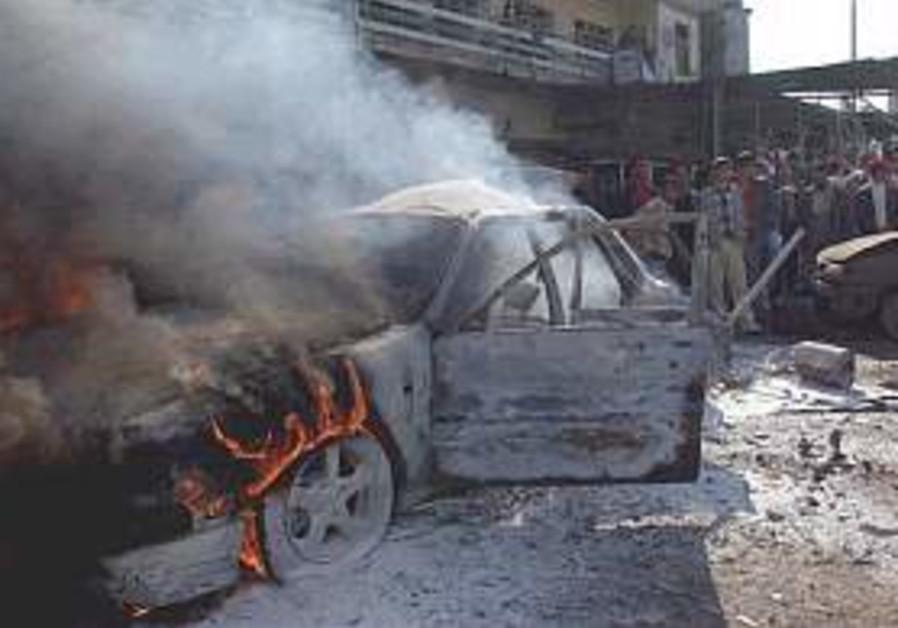 Bombs kill 11 in n. Iraq; US strikes insurgents in Ramadi