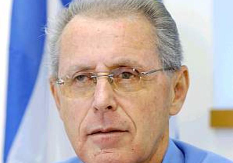 Dichter slammed for police chief fiasco