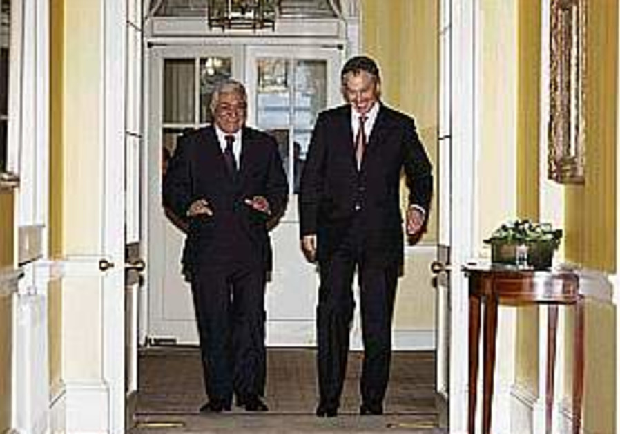 Blair praises Abbas's commitment to peace