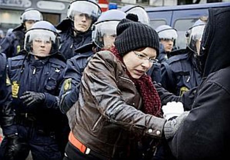 Police fear more riots in Copenhagen