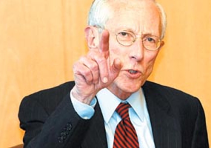 stanley fischer pointing 88 298