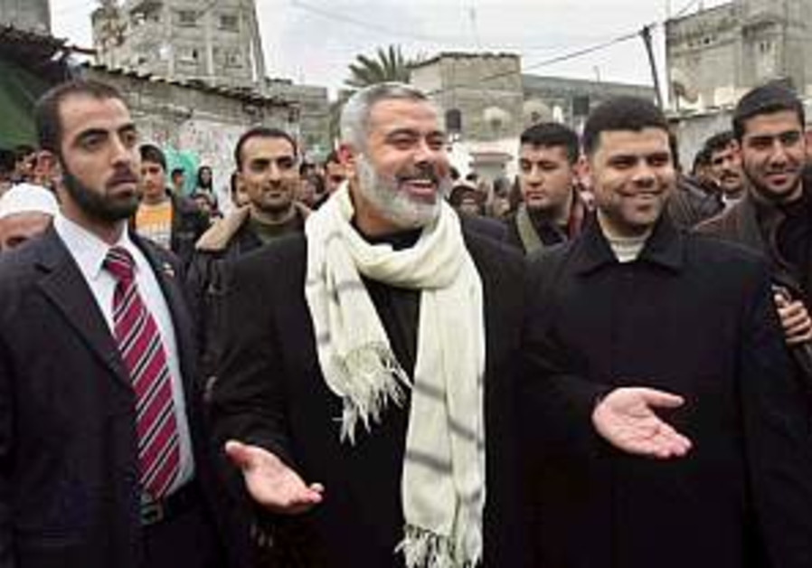Haniyeh urges PA interior minister to freeze resignation
