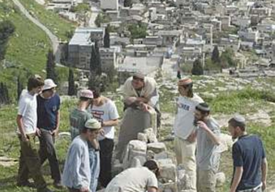 Settlers spend Shabbat in Homesh