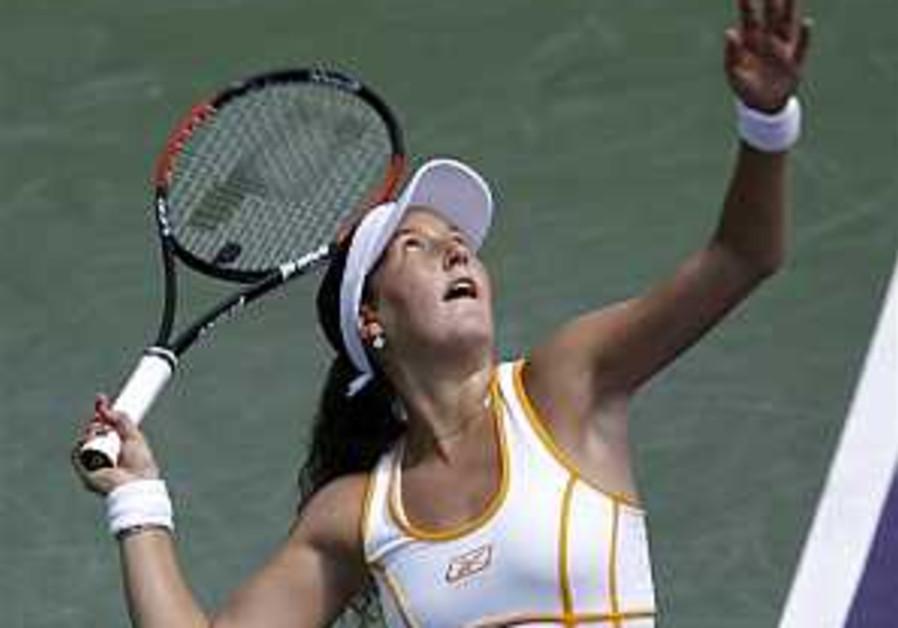 Tennis: Pe'er advances to semis in Miami