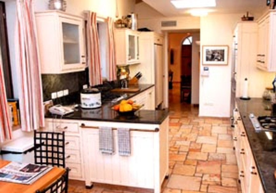 kitchen may30 298