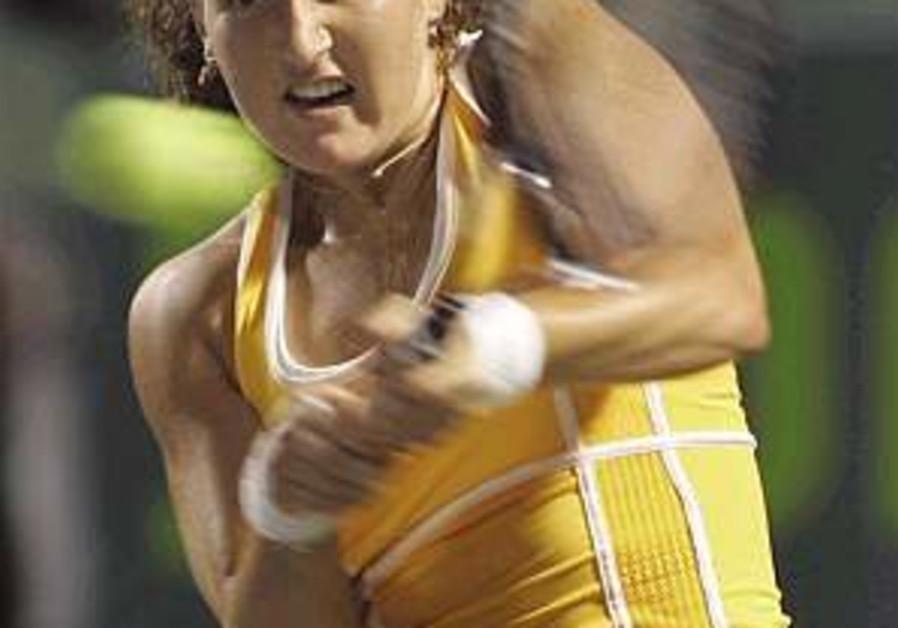 Tennis: Pe'er loses to Williams in Sony Ericsson Open semi