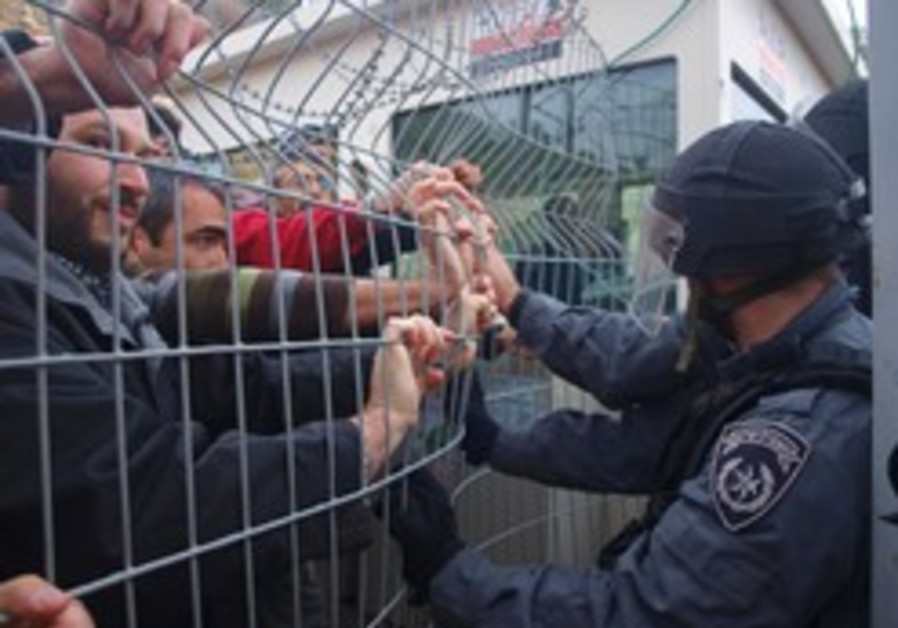 Dolev police settler moratorium freeze