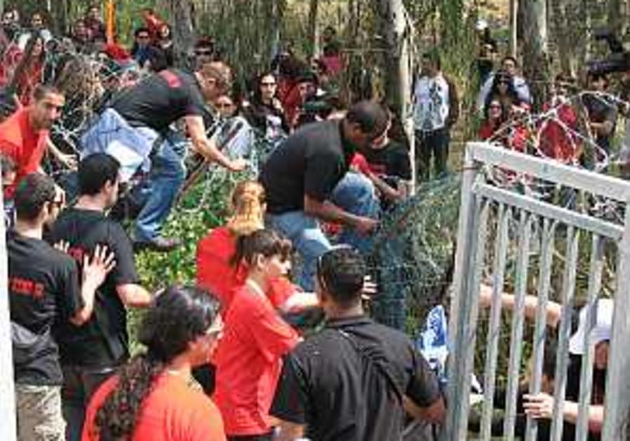 Students burn tires, block roads in protest in TA