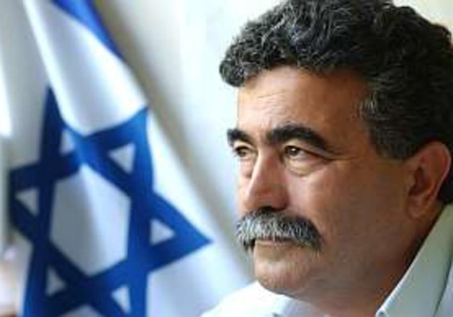 Ayalon denies avoiding Peretz