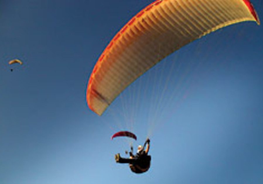 Paragliding in Israel presents the unique risks of