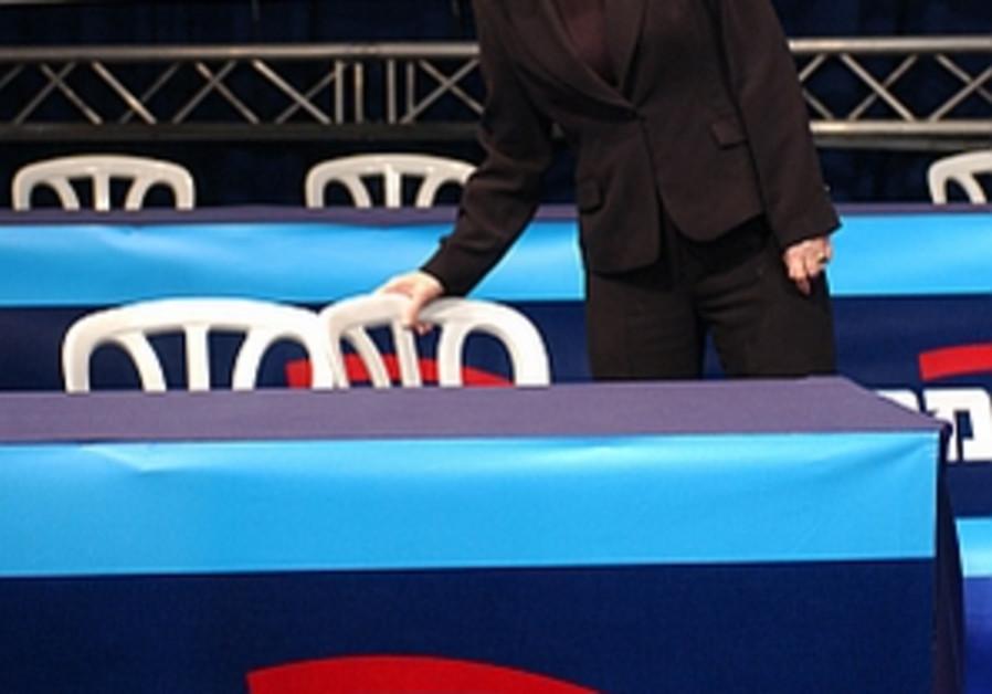 FM challenges Bibi, Barak to debate