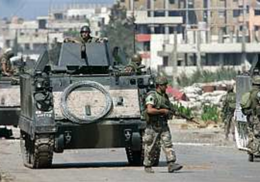 Lebanese army kills 28 militants as clashes rage in camp