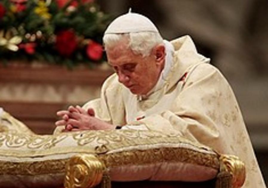 Pope kneels 248.88
