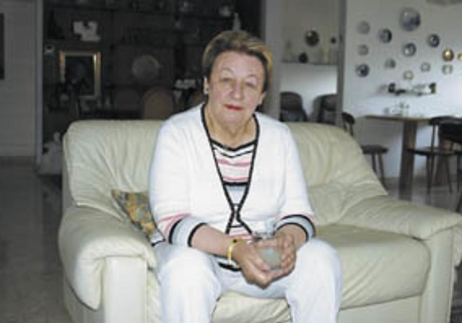 Veterans: Edna Hefetz, 77, From Montreal to Jerusalem, 1949