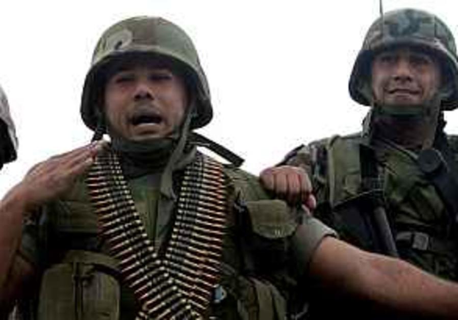 LAF resumes attacks on militants