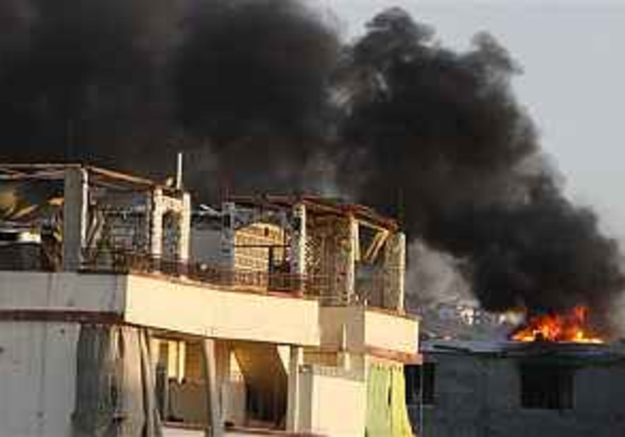 2 Lebanese soldiers killed in clashes