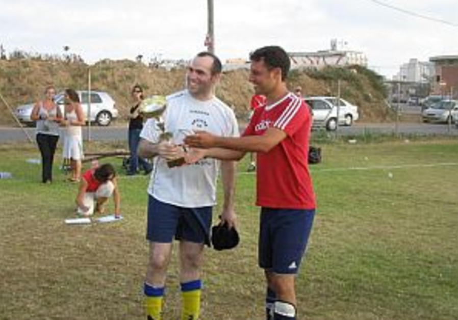 Games we Play: Soccer - England wins Olim World Cup