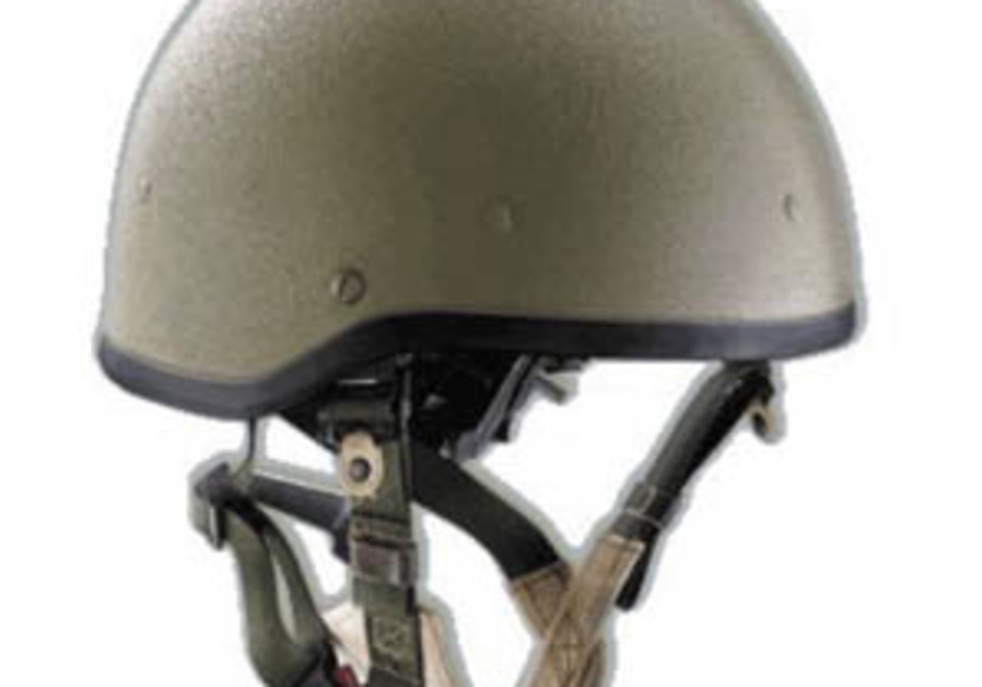 Doctors: US-style helmets would have saved lives