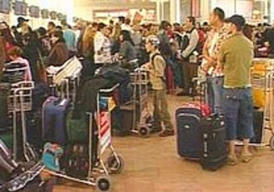 Workers protest causes delays at Ben-Gurion