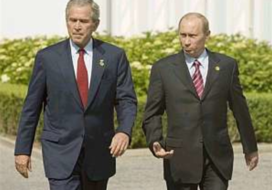 US-Russian leaders regret tensions, offer new criticisms